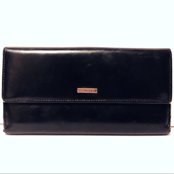 4e9ced677dd3 Gucci Handbags - Authentic black leather Gucci long wallet